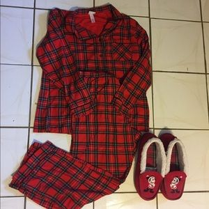 Mickey Mouse Slippers & Pj Set Size Xl